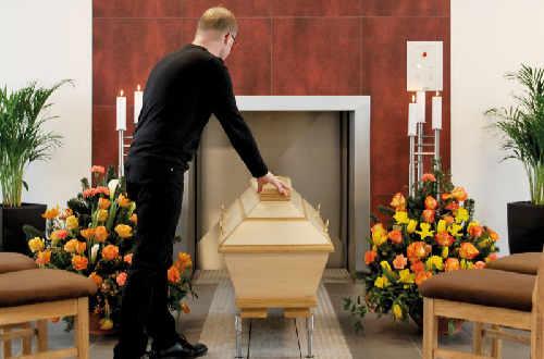 Beispiel einer Feuerbestattung in Krematorium