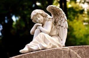 Engel am Friedhof